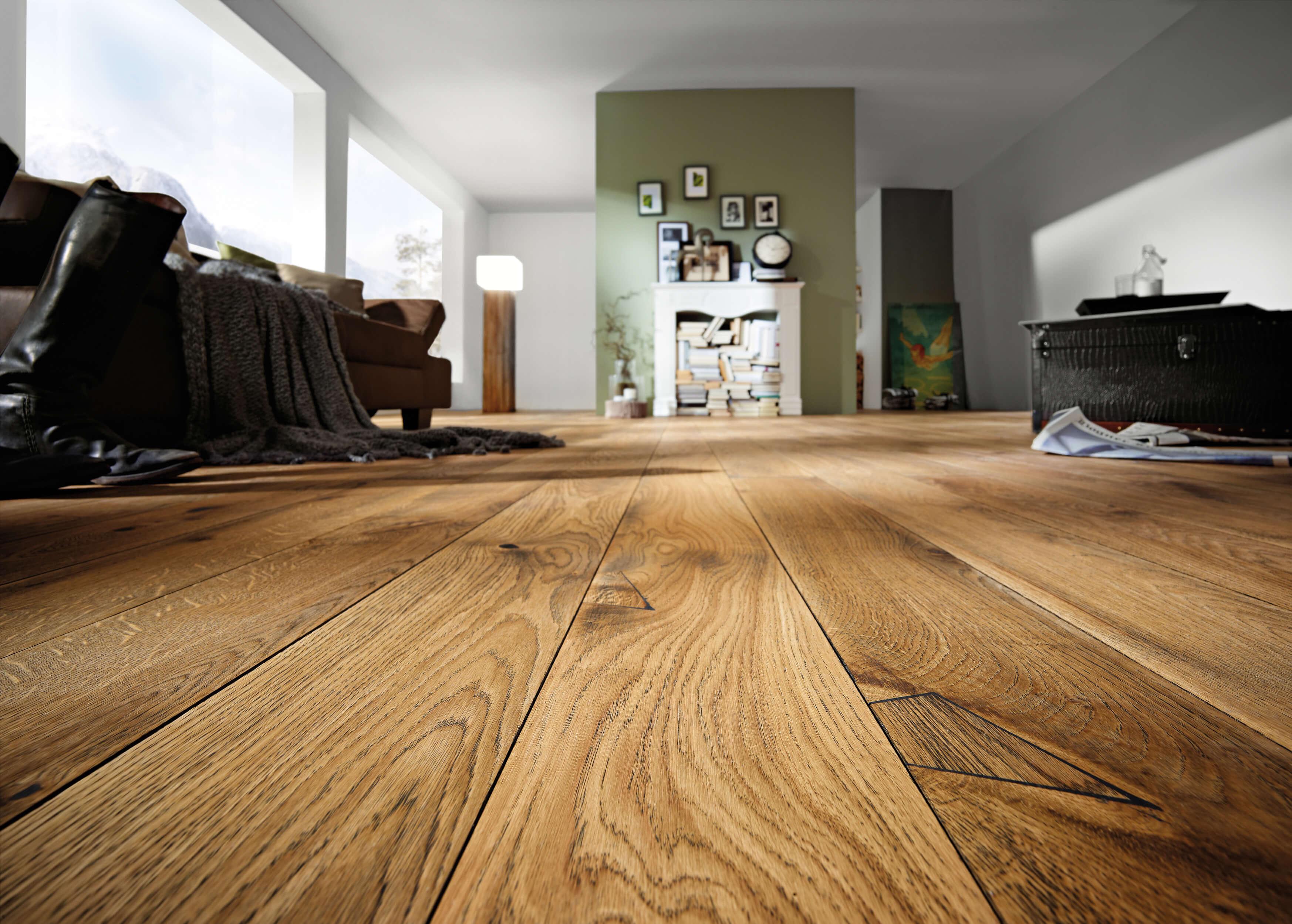 holzboden schreinerei roth und schwarz. Black Bedroom Furniture Sets. Home Design Ideas
