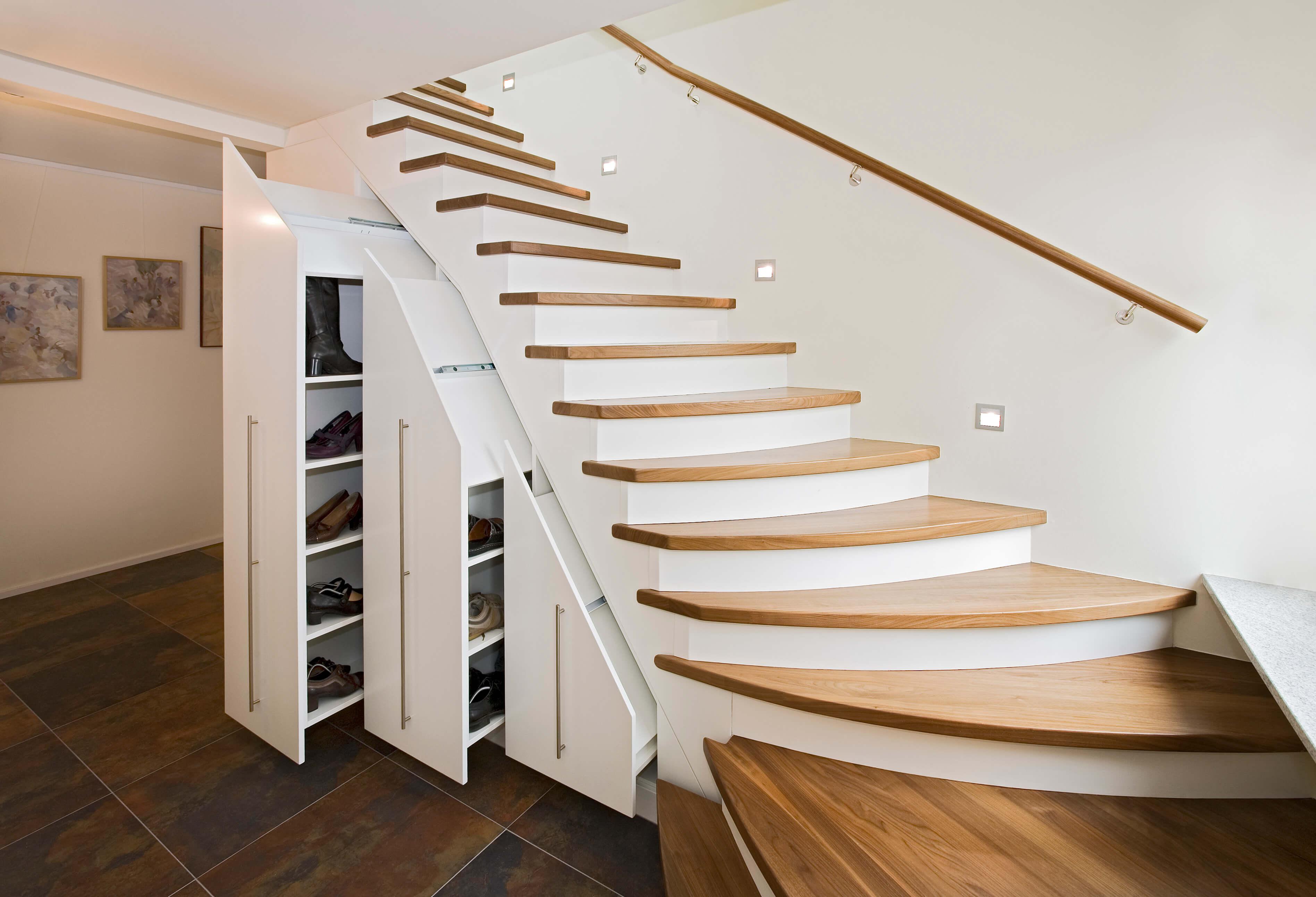 treppen schreinerei roth und schwarz. Black Bedroom Furniture Sets. Home Design Ideas
